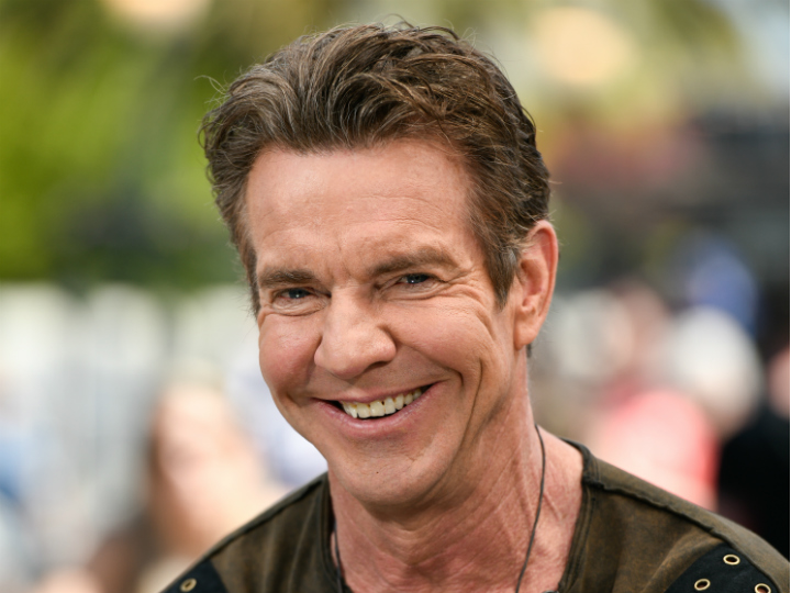dennis quaid smiling