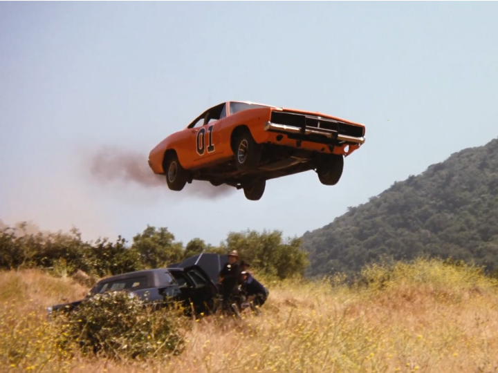 general lee jumping police car